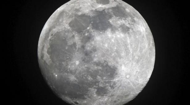 ¿Qué ocurriría en la Tierra si desapareciese la Luna?